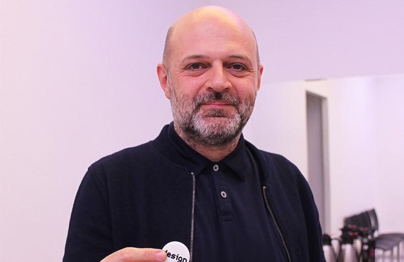 """时装设计师侯赛因·卡拉扬""""土耳其设计周""""现场访谈"""