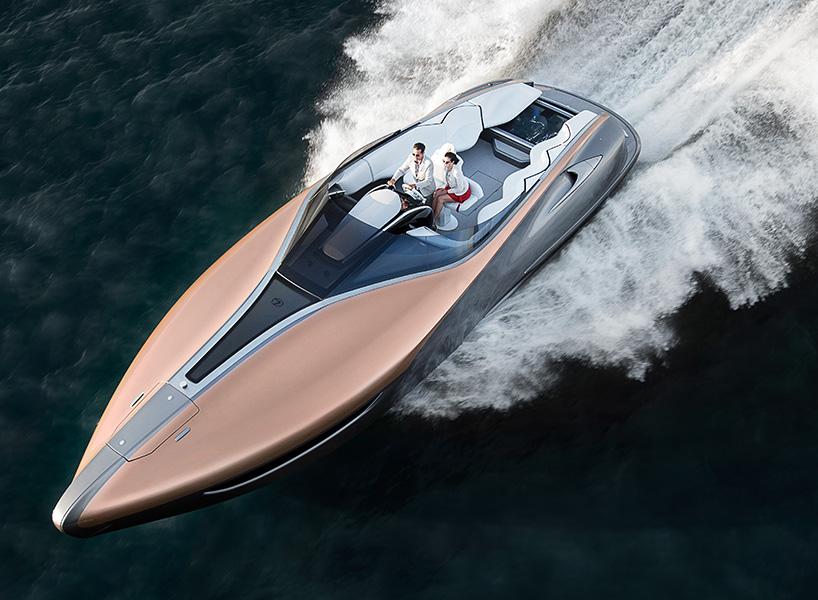 该概念由基于LEXUSRC F轿跑车的2UR-GSE高性能发动机的双5.0升V8汽油发动机提供动力 概念运动游艇的上部甲板和外部船体无缝结合,每一部分都是由聚氨酯环氧树脂与手工编织的碳纤维材质结合而成。此种碳纤维复合材质也应用于最高时速325公里、动力输出553马力的雷克萨斯传奇跑车LFA。