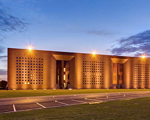 Ricardo Bofill改造穆罕默德六世大学校园