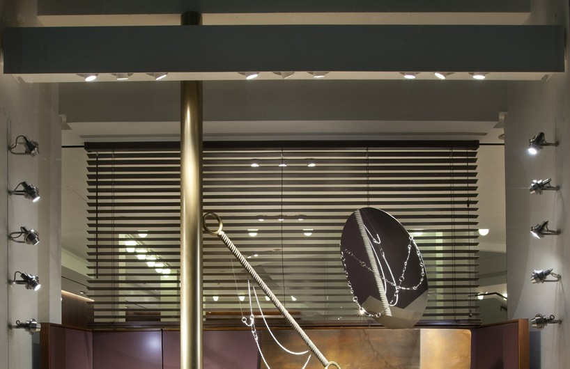 Hermès 为SS17 collection打造全新橱窗系列