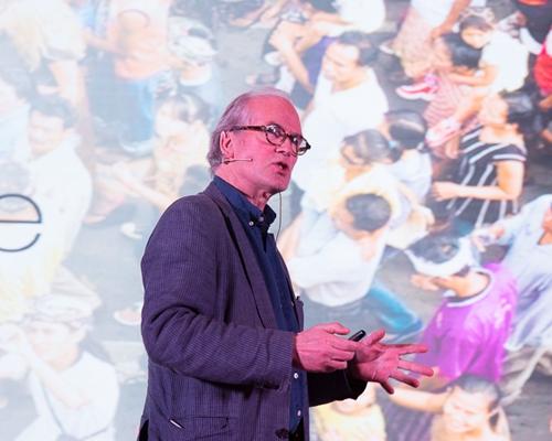 Dick  Powell:设计创新