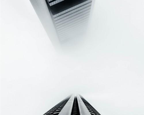 消失在马德里上空的摩天大楼
