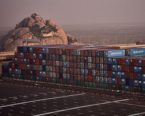亚洲主要港口的集装箱堆场