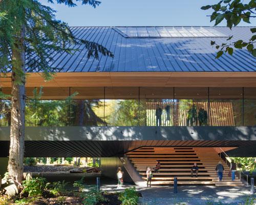 以设计元素呼应场地氛围——audain艺术博物馆
