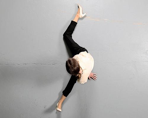 klenyánszki用舞蹈记录时间的流逝