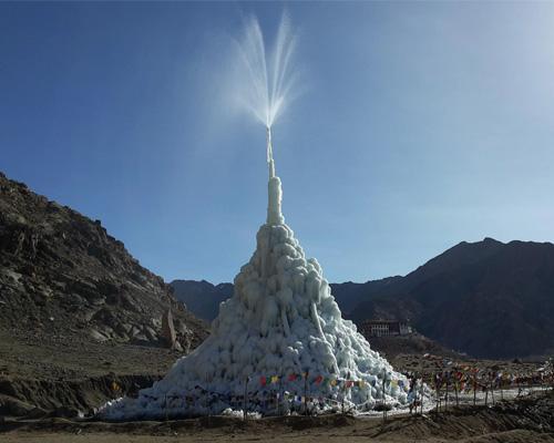 冰川雕塑帮助印度干旱地区蓄水
