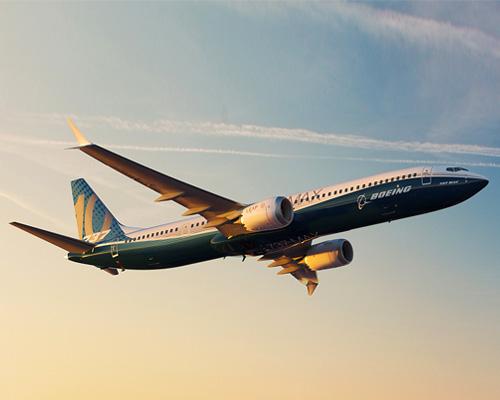 波音公司在巴黎航空展上正式推出新机型737 MAX 10
