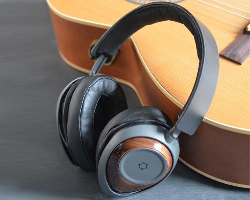 世界首款石墨烯耳机给你完美的声音体验