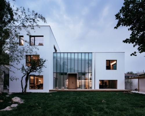 铁血山庄:造一座真诚的房子