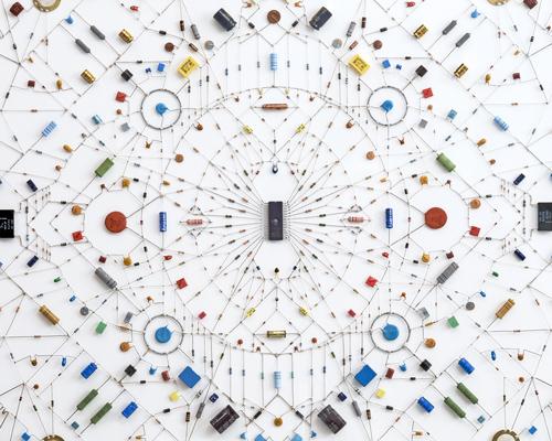 电子线路组成的佛教曼荼罗图案