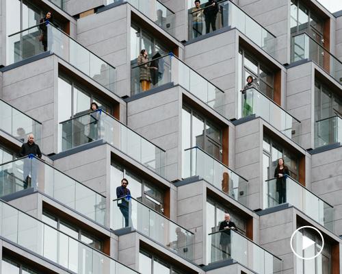 布鲁克林住宅楼层叠的屋顶露台