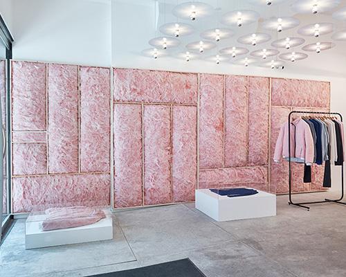 粉红云朵墙亮相patrik ervell纽约商店