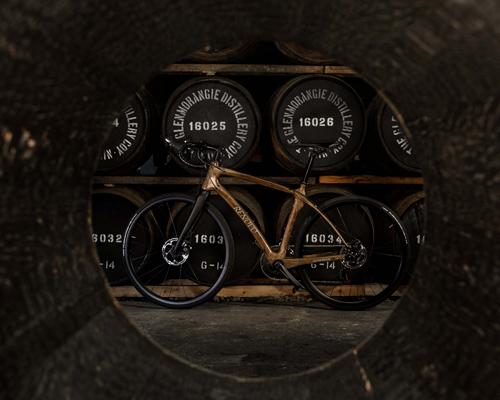 glenmorangie联手renovo打造首款威士忌木桶单车