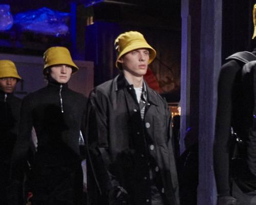 普拉达新一季男装 黑色尼龙的经典诠释