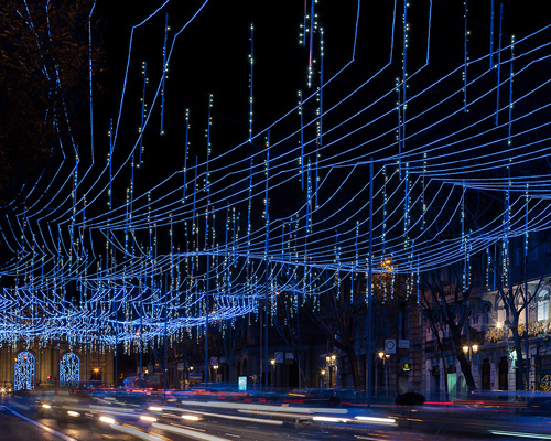 璀璨人工星空点亮马德里繁华街道