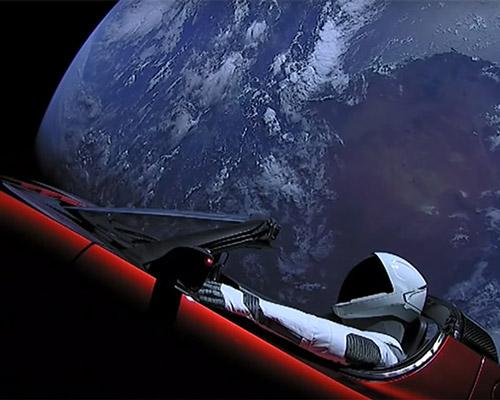 追寻埃隆·马斯克的特斯拉篷跑车在太空的位置