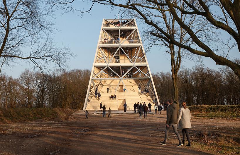 趣味多功能倾斜瞭望塔