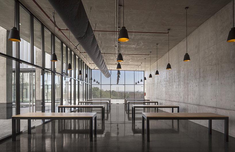 墨西哥雷诺-日产绿色创新型办公空间