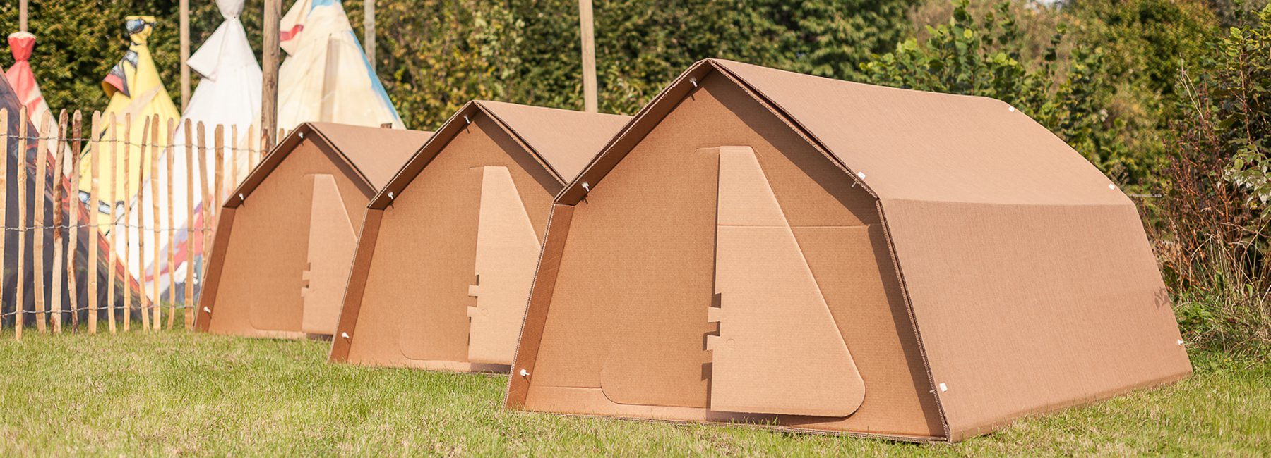 3平方米的地板设计,小小的后窗设计时间了帐篷内的空气流动.