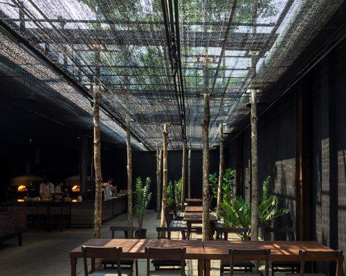农用网打造露天餐厅遮阳棚