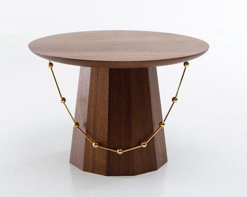 参考韩国传统服饰设计的极简风边桌