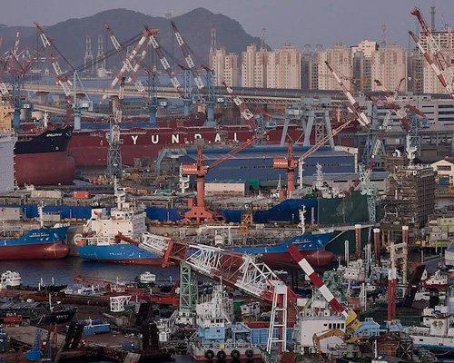 摄影师记录了亚洲各大港口的景观