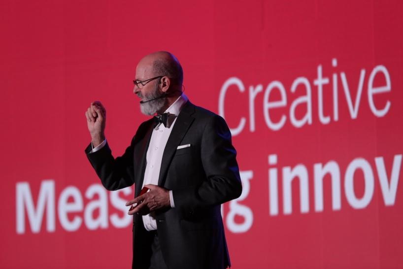 """荷兰设计公司VanBerlo创办人阿德.范博楼(Ad van Berlo),以""""创意权益""""为演讲主题"""