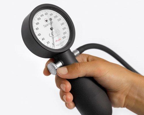 符合人体工程学的全新血压计mobi