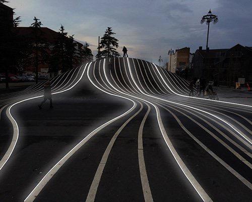 无缝连接灵活灯带 用光线作画