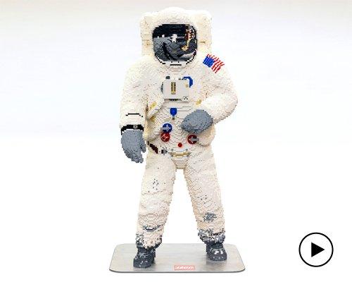 乐高推出真人尺寸阿波罗11号宇航服模型