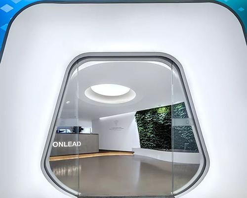 兼具自然与未来科技感的新型办公家具展厅【in50新作】