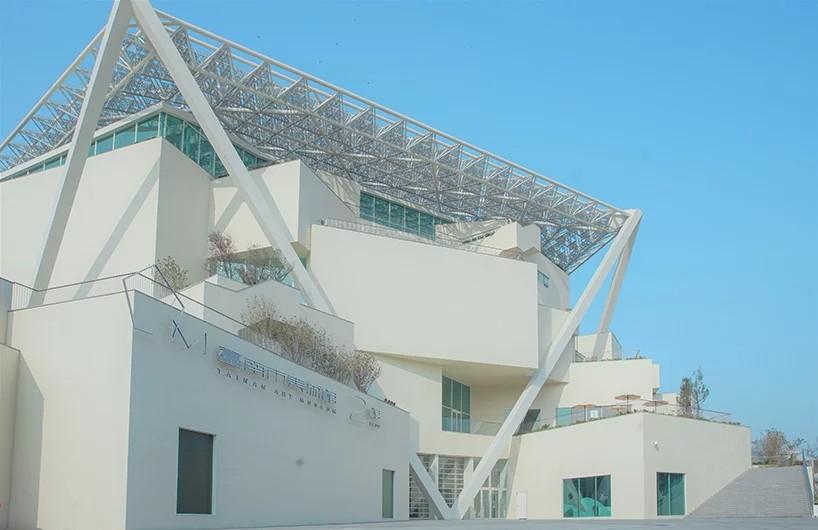"""五边形屋顶天篷下的堆叠体块,坂茂新作 """"台南美术馆"""""""