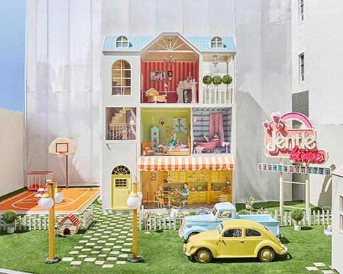 GENTLE MONSTER联手jennie打造少女感梦幻娃娃屋