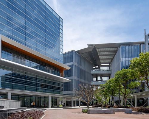 10 Design设计的珠海金湾航空新城产业服务中心正式落成