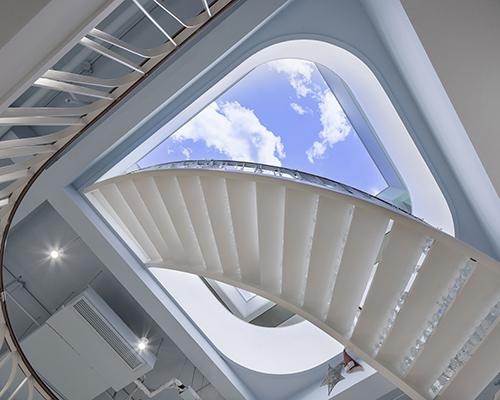 时象设计:延伸想象的科技办公美学空间