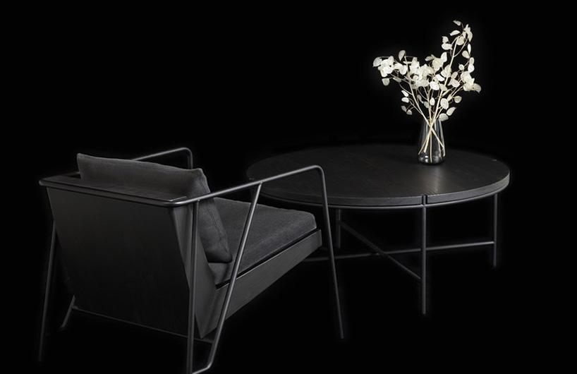 参考日本烧荒传统的墨黑色家具系列