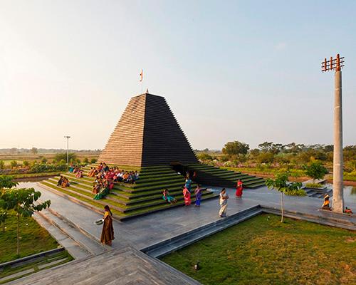 印度石阶寺庙 | 以圣洁之水通向纯净信仰世界
