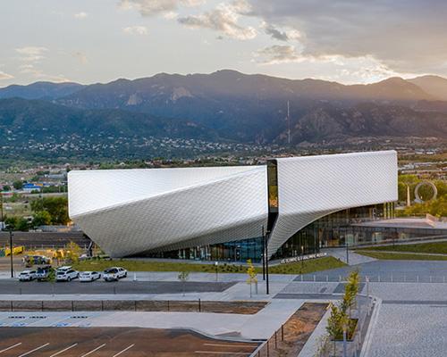 """如""""风车""""般旋转的美国奥林匹克博物馆"""