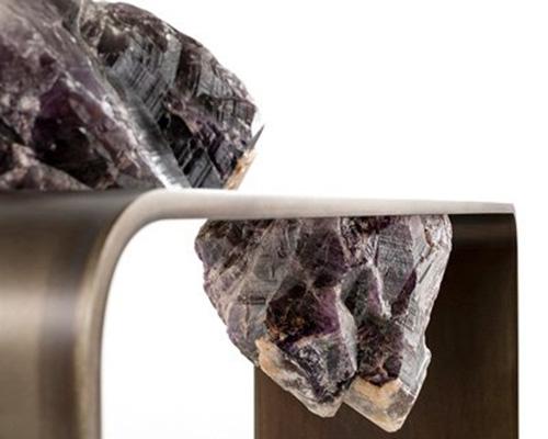 四种岩石制成的功能性雕塑agment
